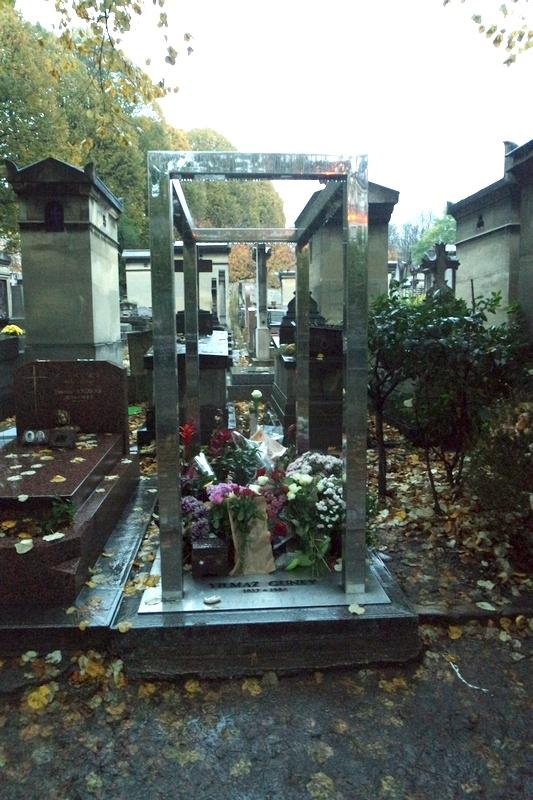 Yılmaz Güney Mezarı Paris