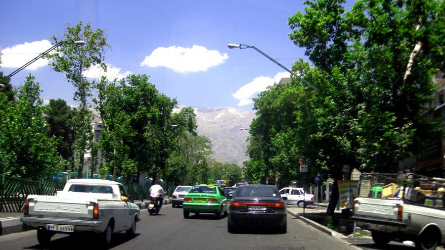 Tahran'da bir cadde