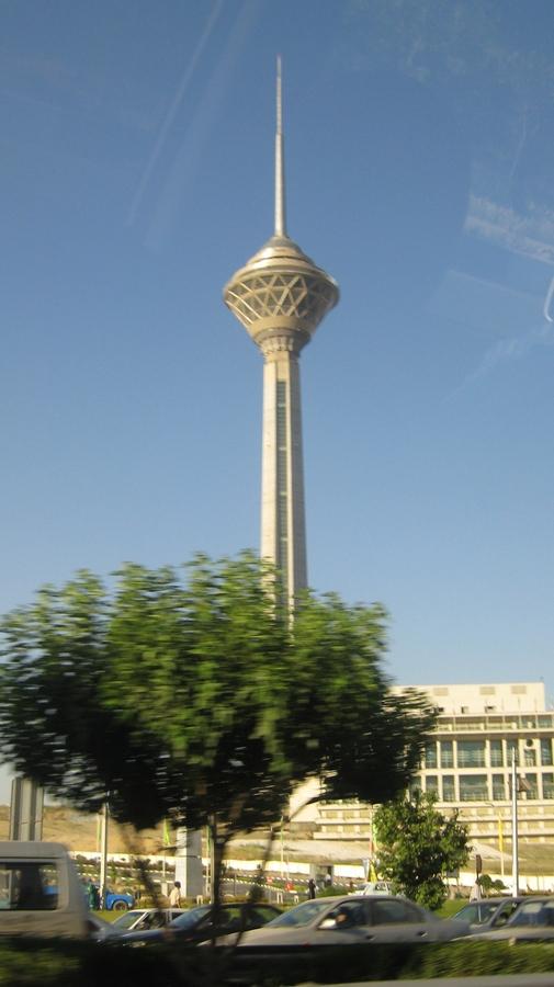 Tahran-Milad-Kulesi
