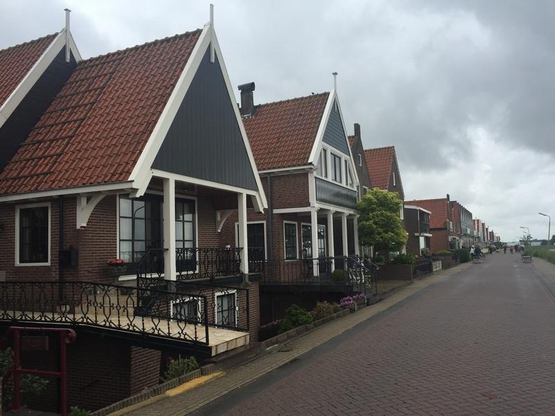 Volendam-1